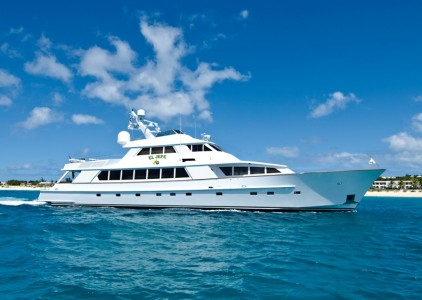 115' Derektor Motoryacht in Caribbean - St. Maarten, Virgin Islands